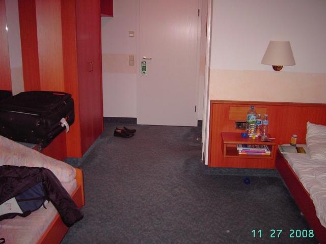 Suasana kamar hotel bintang 3 di Backnang