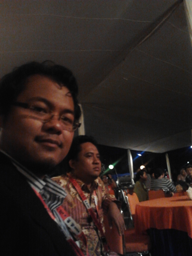 Bersama Agung Trisetyarso, PhD., saat dinner di ICoICT IT Telkom